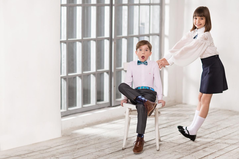 6946eedda76d ... с традиционным гардеробом ученика, используя различные сочетания фактур  и цветов. Читайте в нашем обзоре о главных модных тенденциях в одежде для  школы, ...